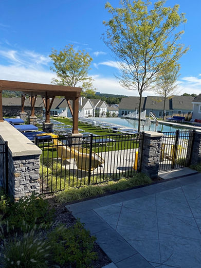 Aluminum commercial fencing in Ramsey and Saddle River, NJ