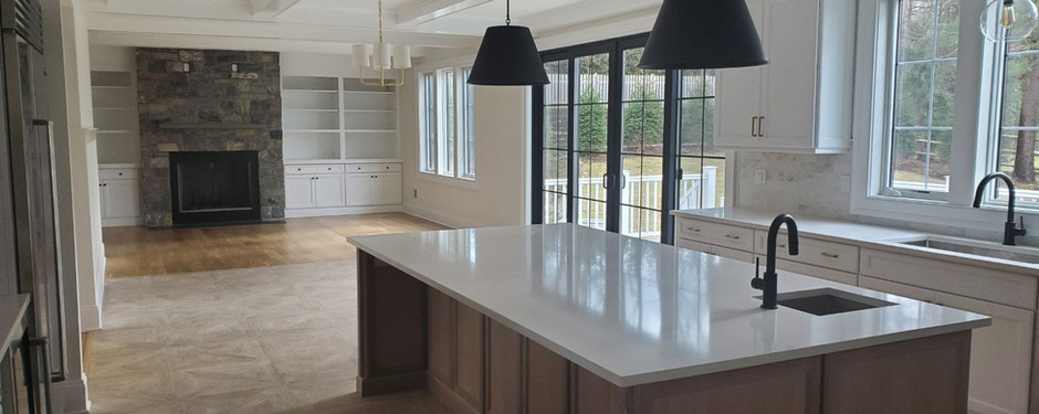 Spotless kitchen designed by home builders in Mountain Lakes, NJ