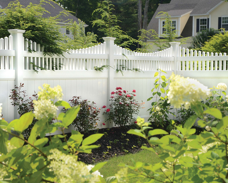 Vinyl fence installation in Rockland County NY