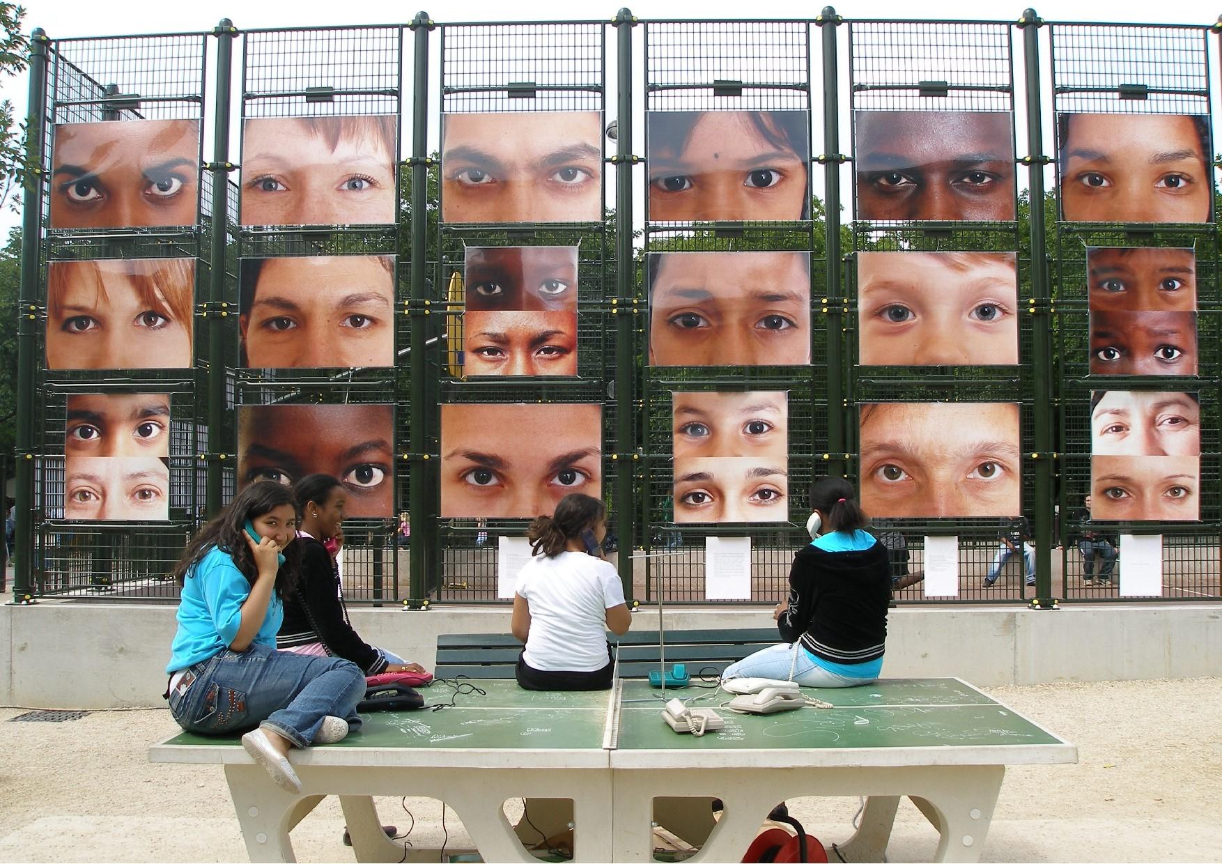 Mur portraits.jpg