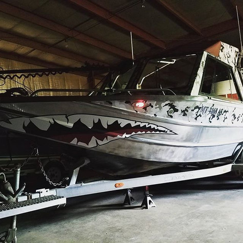 Jet Boat Shark Mouth & Snow Camo Wrap