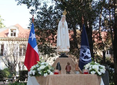 Universidad Finis Terrae se consagra a la Virgen María