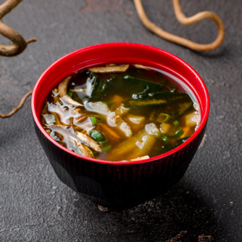 Мисо суп с иноки и вакамэ