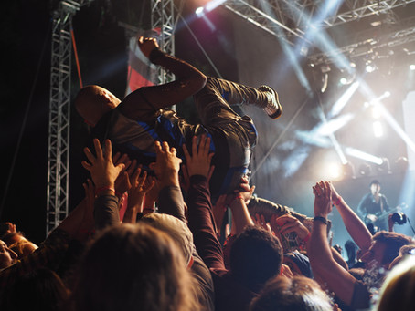 The rock and roll mindset: Motley Crue  and decision framing