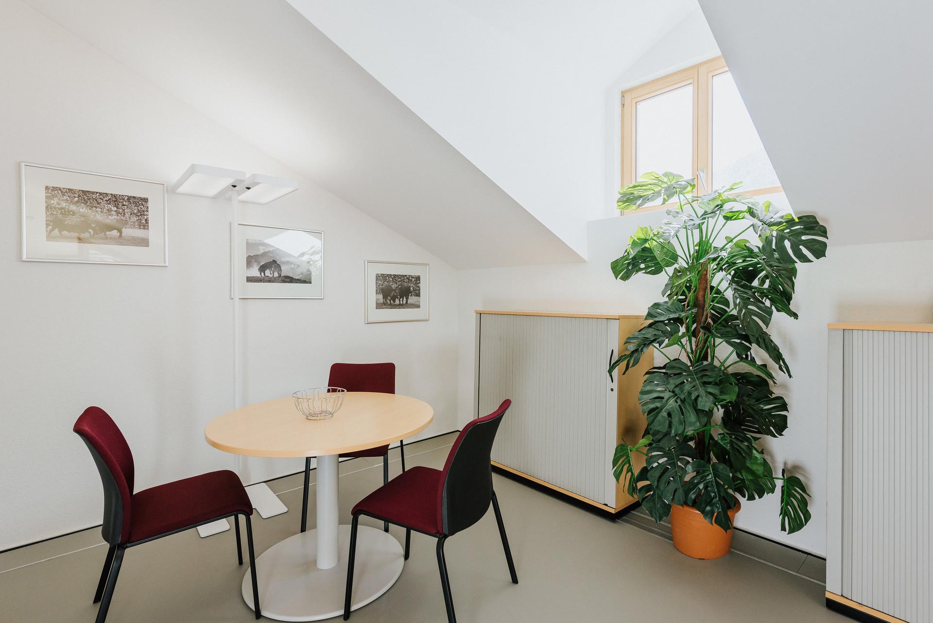 Bureau individuel + espace de réunion