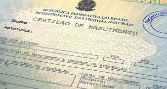 01/06/2016 - JUSTIÇA AUTORIZA REGISTRO DE DUAS MÃES E UM PAI EM CERTIDÃO DE NASCIMENTO