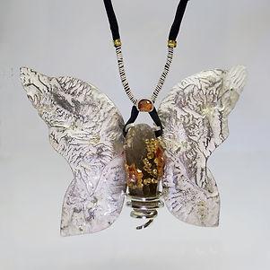 3 Minute Papillon Collier 1400€.JPG