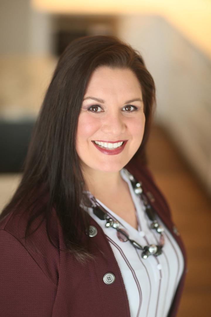 DR Nicole Headshot 2020.jpg