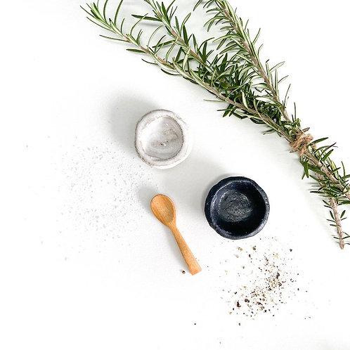 ceramic salt & pepper pinch pots