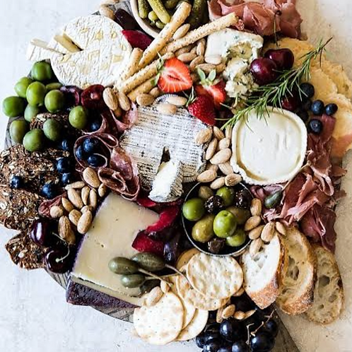medium cheeseboard/grazing platter