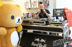 Party Unit - In-Store Appearance