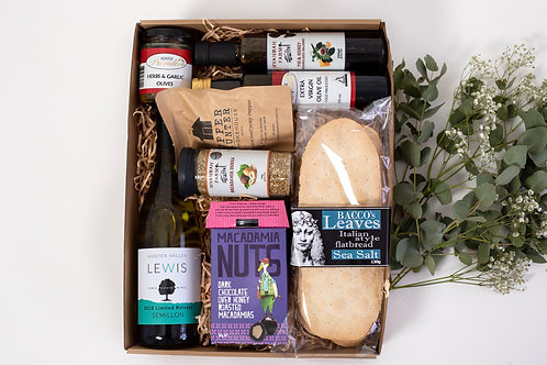 The Entertainers Hamper with Semillon