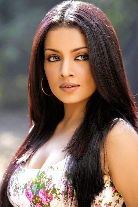 Celina-Jaitley-Spicy-Photos-683x1024_edi