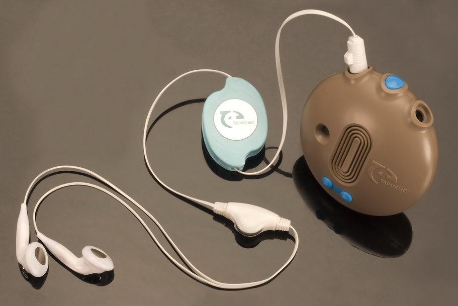 TapMemo+hearphones-web.jpg