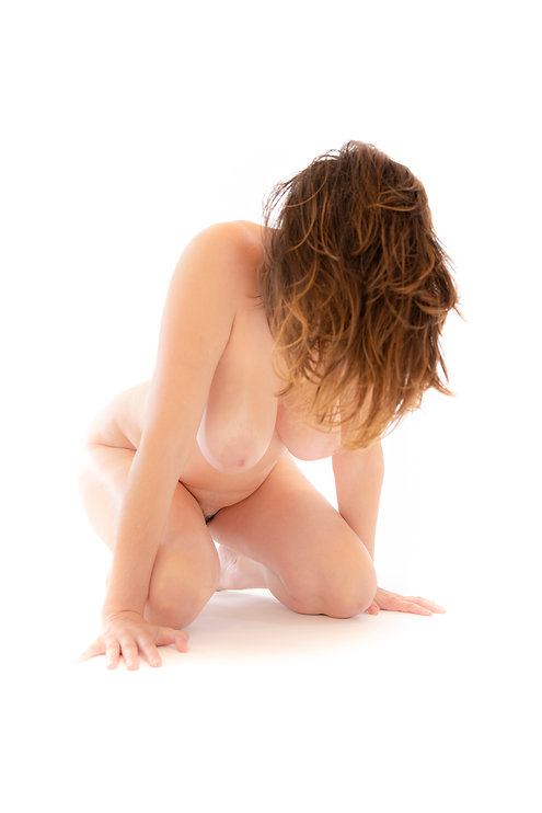 Woman body - Female  - Form and figure study - Samantha Light Fine Art photography
