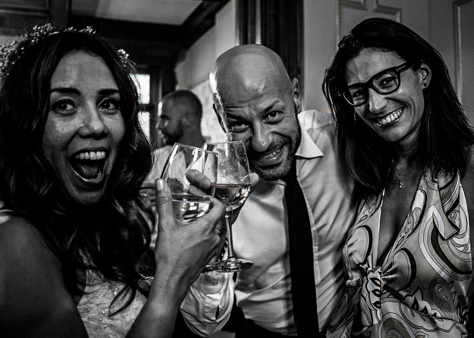 Bride with friends at wedding party having fun  - Wedding photography - Black and white photography