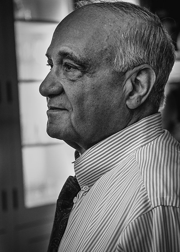 Portrait of father of the bride - Wedding photography - Black and white photography