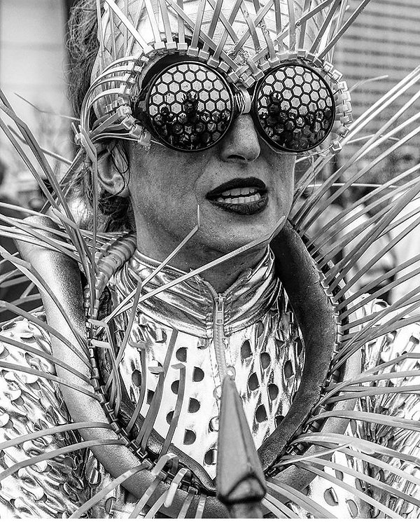 Mermaid day parade - Costume - Fly eyes - Street photography - Black and white photography
