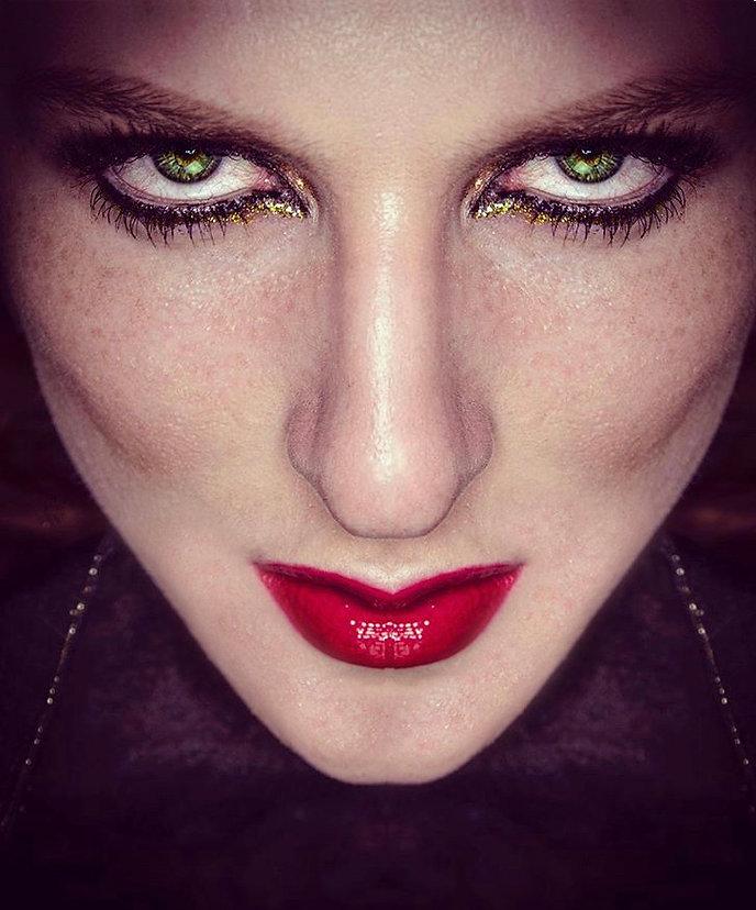 Makeup - Green eyes - Model - Fashion
