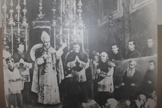 Scalabrini funda a congregação