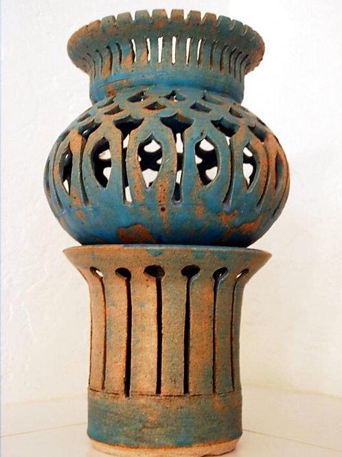 Composite filigree pot