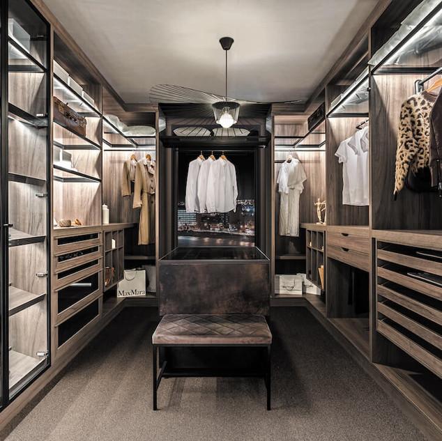 Closet2-7.jpg