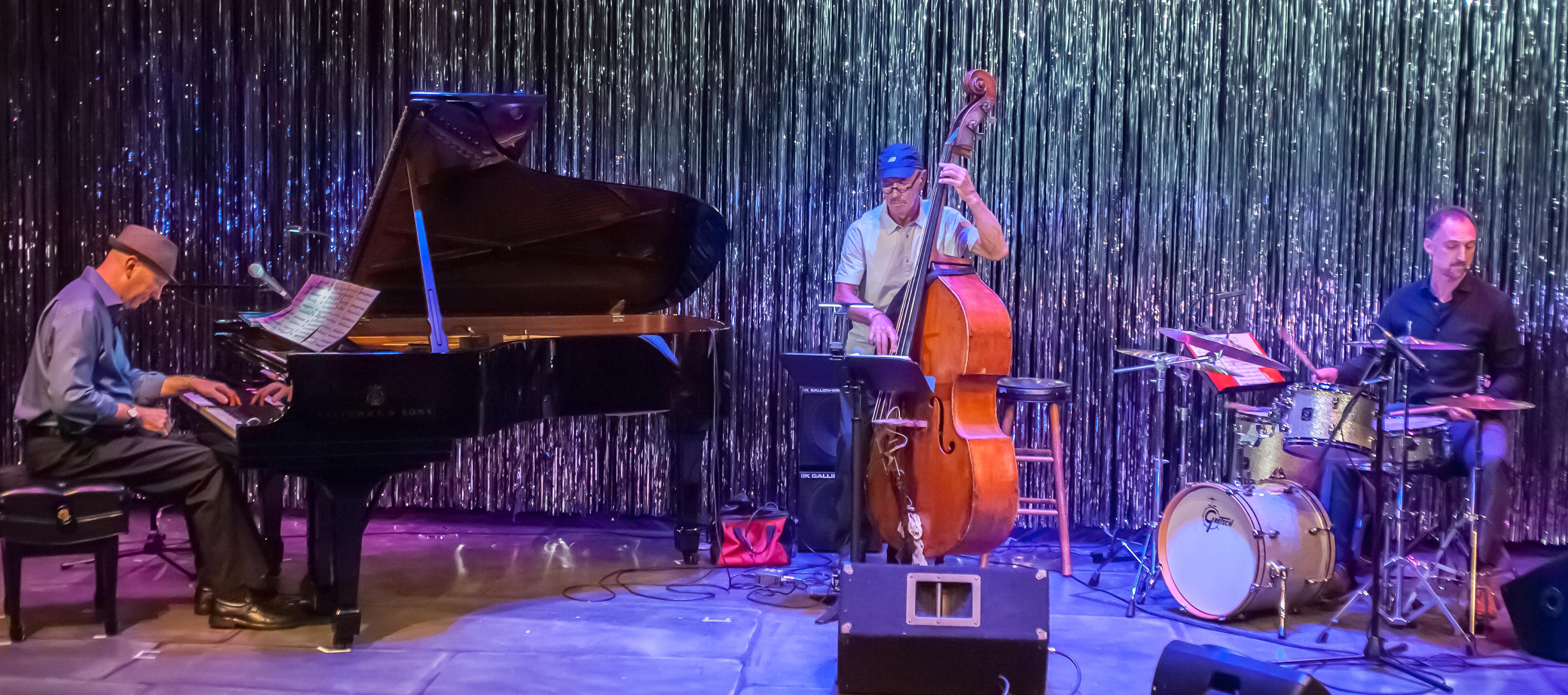 Tim Ray Trio