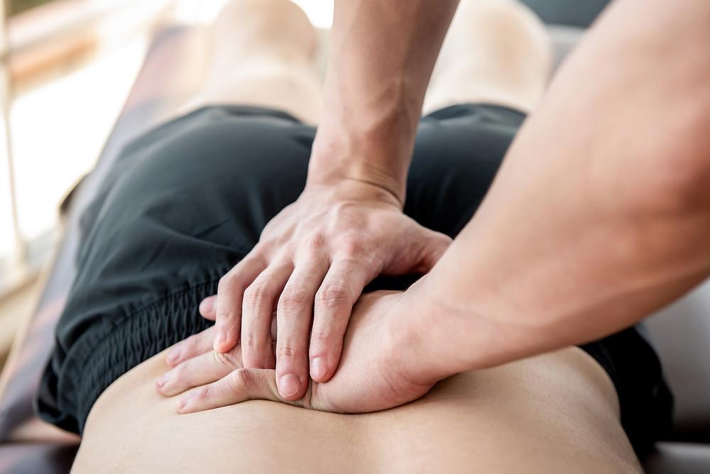 Manuelle Therapie an der Lendenwirbelsäule