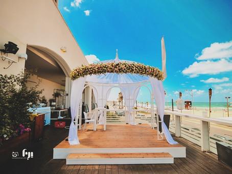 טרנד החתונות של הקיץ – חופה על הים