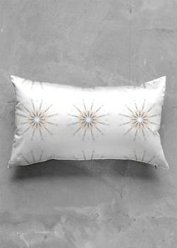 Presence pillow oblong