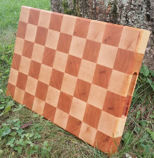 Maple and Cherry checkered pattern end g