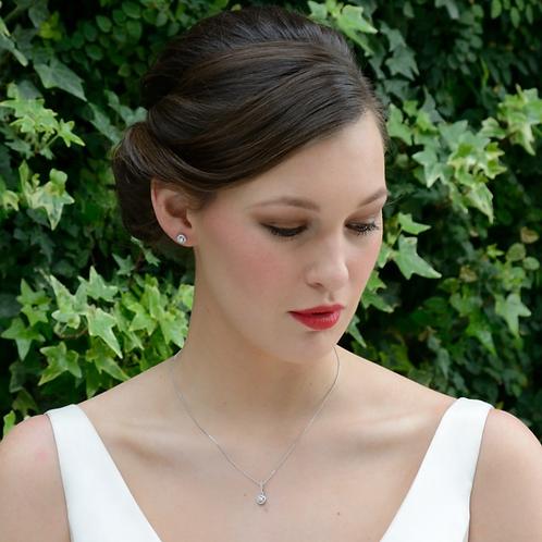 Bride in solitaire necklace set