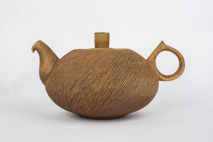 Comb-patterned Tea Pot
