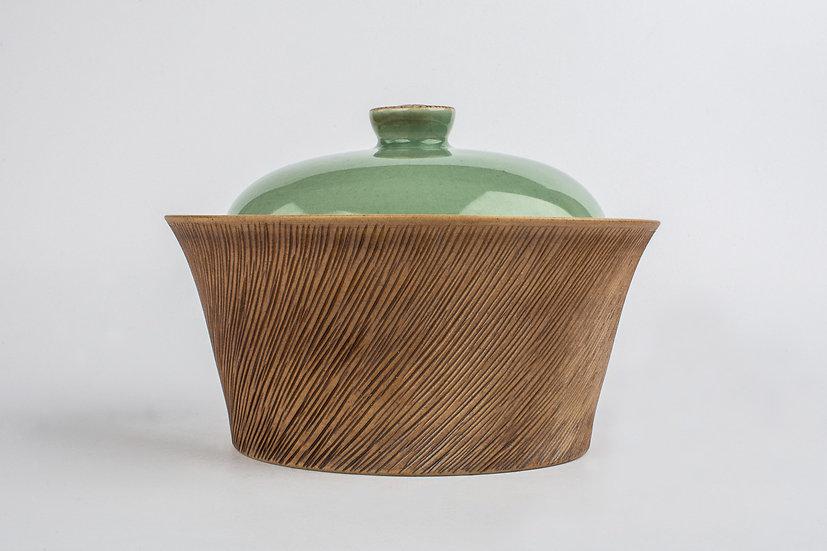Comb-patterned & Celadon Lidded Bowl 1
