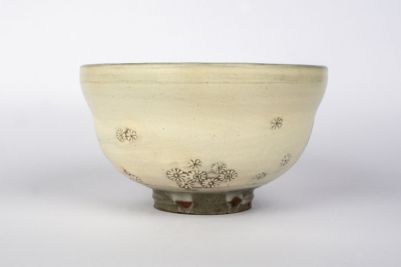 Buncheong Tea Bowl with Chrysanthemum Deco 1