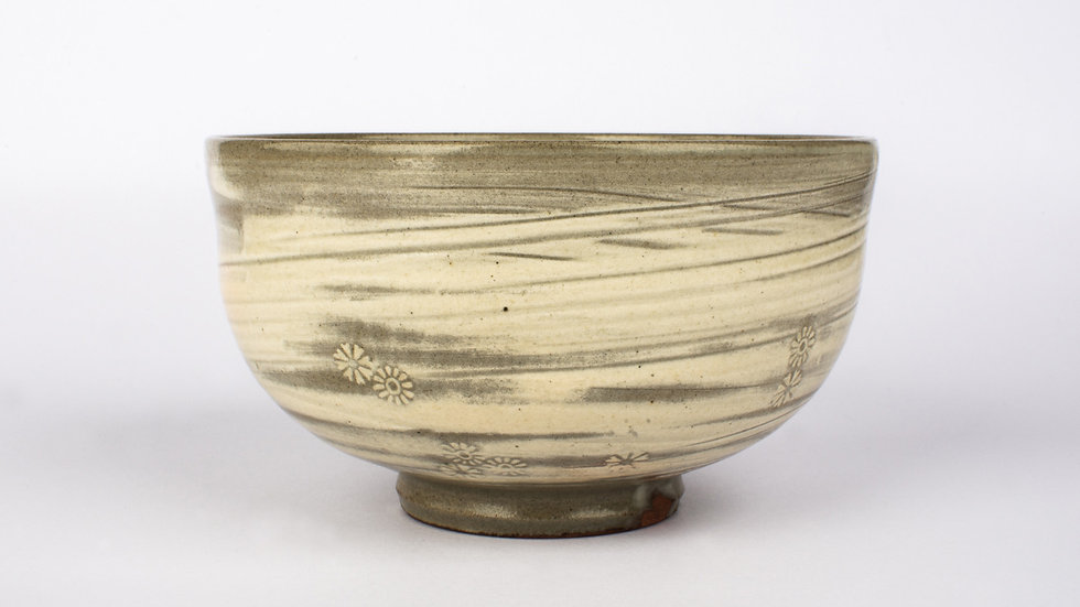 Buncheong Tea Bowl with Chrysanthemum Deco 2