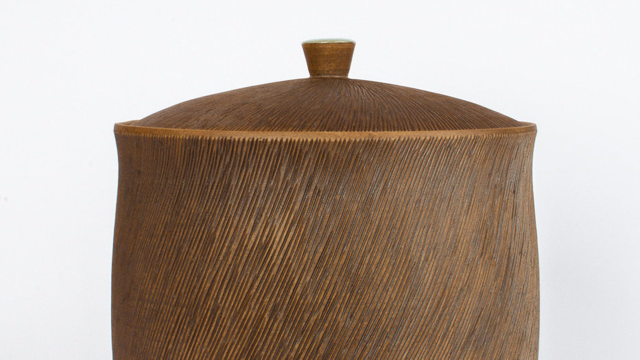 Comb-patterned Tall Jar