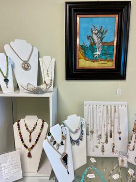 Jewelry/Mixed Media: Veronique Landis