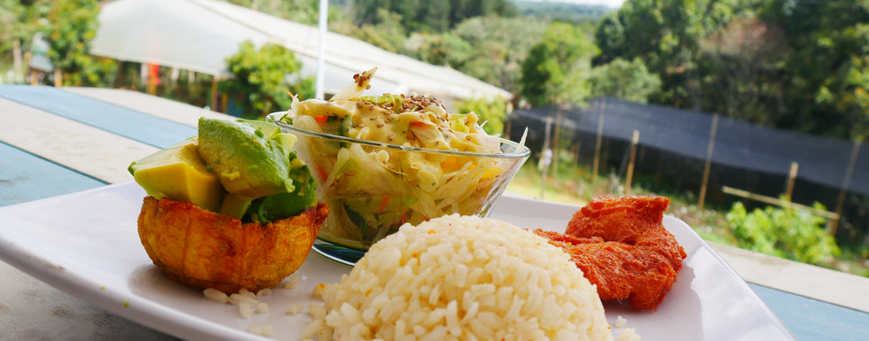 "What Is ""Menu Del Dia"" And The Best Places For It In Medellin, Colombia"
