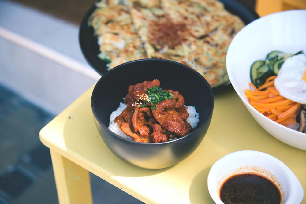 Tempat Makanan Korea di Jogja (Photo by Ryan Kwok on Unsplash)