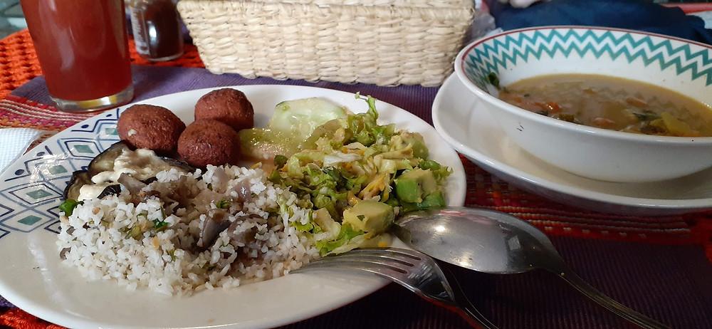 Hidangan Vegetarian di Medellin, Colombia (c) Arakita Rimbayana BuLiBi Bukan Liburan Biasa