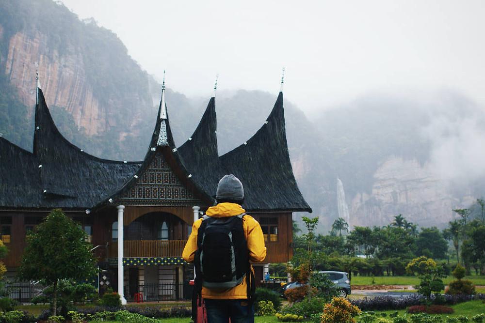 Lembah Harau Payakumbuh (Photo by Ibadah Mimpi on Unsplash) BuLiBi Bukan Liburan Biasa