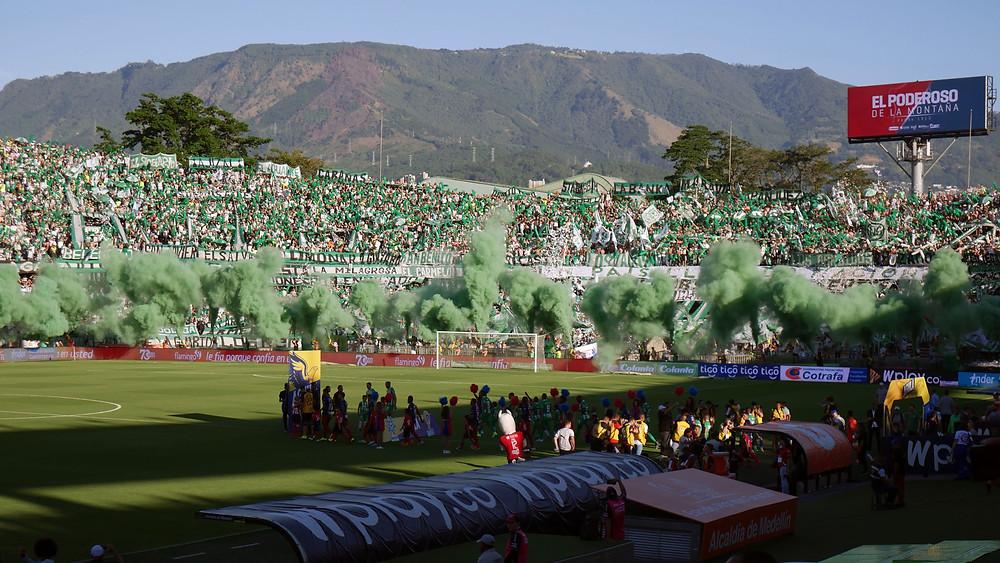Kubu Atletico National di Tribun Utara  (c) Arakita Rimbayana Sepak bola Amerika Latin Kolombia