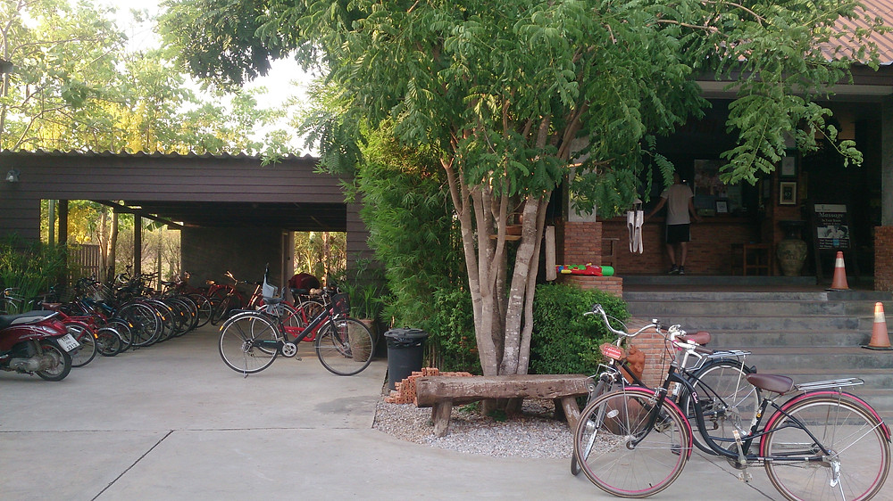 Sewa sepeda di Sawasdee Resort Sukhothai Thailand (c) Arakita Rimbayana