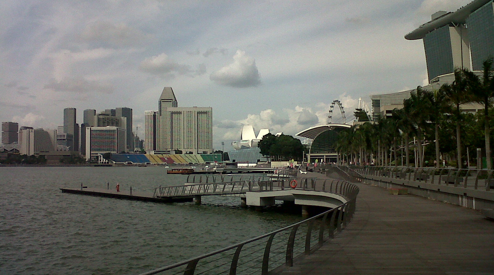 How To Survive One Day In Singapore With Only 30 USD In Your Pocket