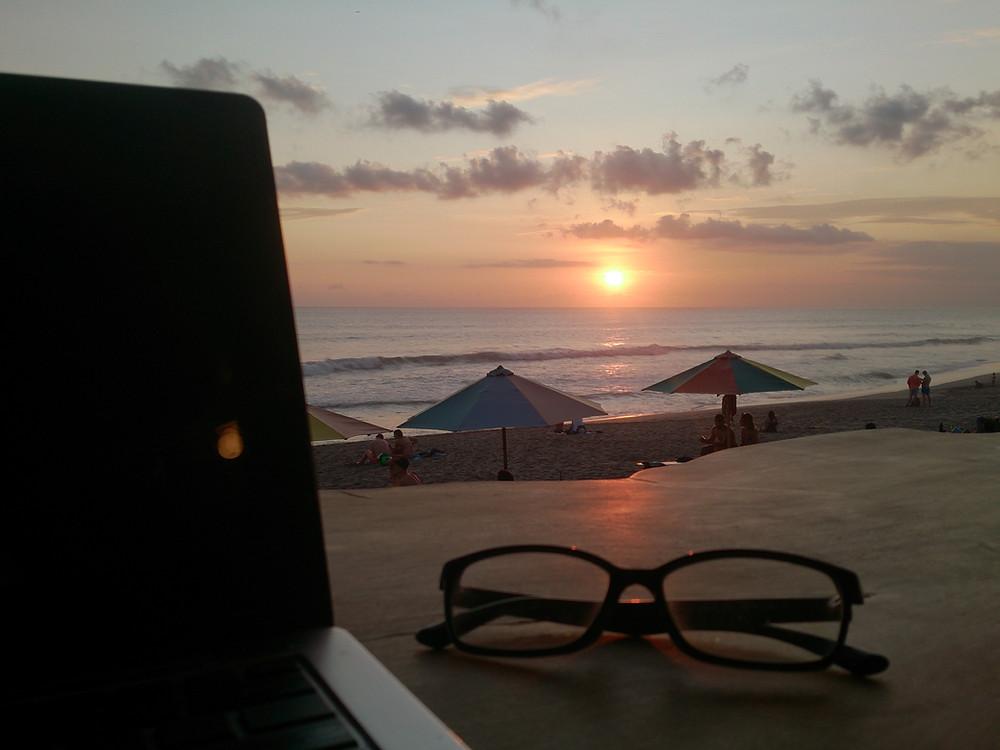 Kerja freelance biar bisa liburan kapan saja (c) Arakita Rimbayana bulibi bukan liburan biasa