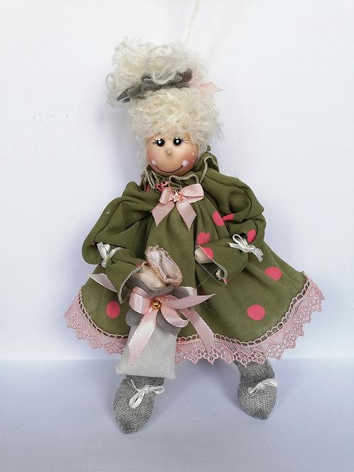 Păpușă cu agățătoare și săculeț cu lavandă dim. 30 cm