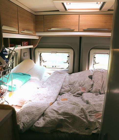 Bett 1.40 m breit.jpg