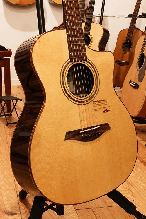 Mayson Luthier M5/S CE2 vuren bovenblad LR Baggs Anthem