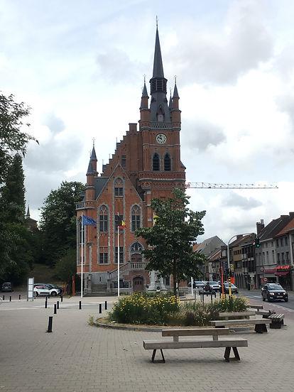Oud Gemeentehuis St Amandsberg.JPG